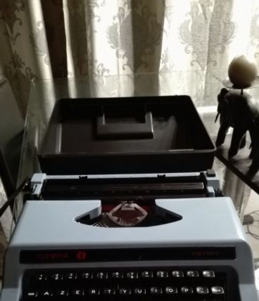 Machine à écrire olympia