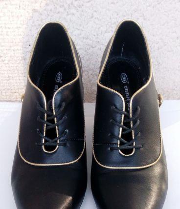 low boots/ escarpins