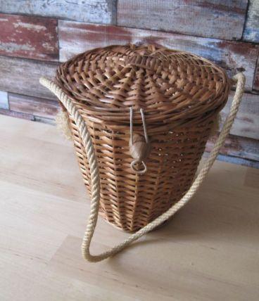 Petit sac de femme ancien vintage en osier