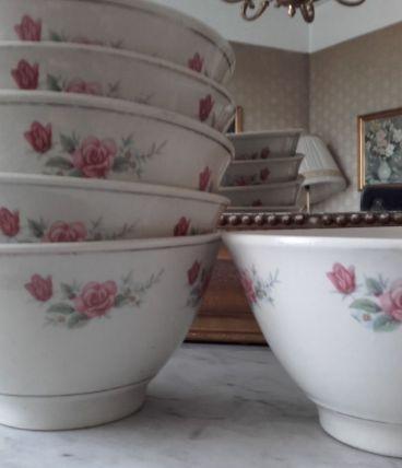 Jolis petits bols à soupe ou à légumiers