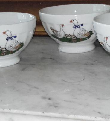 Ravissants petits bols joliment décorés