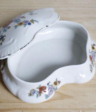 boîte porcelaine à fleurs vintage