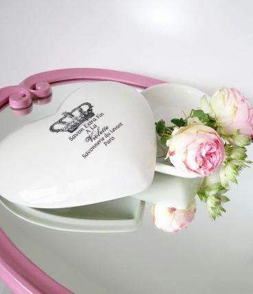 Ravissante boîte à bijoux en porcelaine