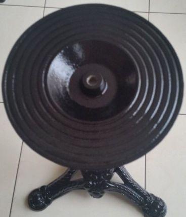 Pied de table en fonte noir