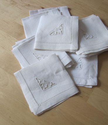 12 Jolies petites serviettes a thé en coton anciennes