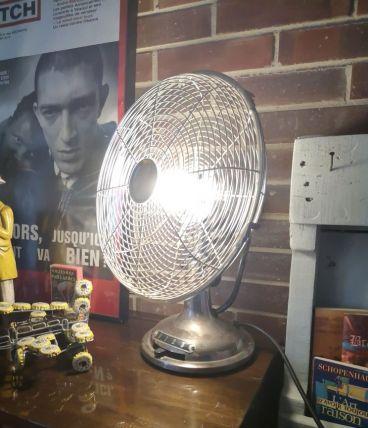 Lampe ventilateur en acier vintage.