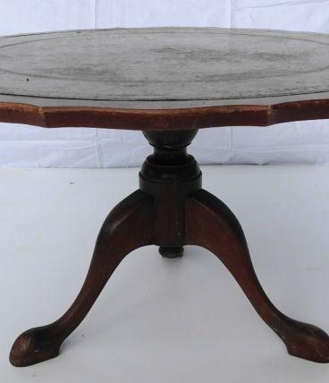 Table basse ronde festonnée
