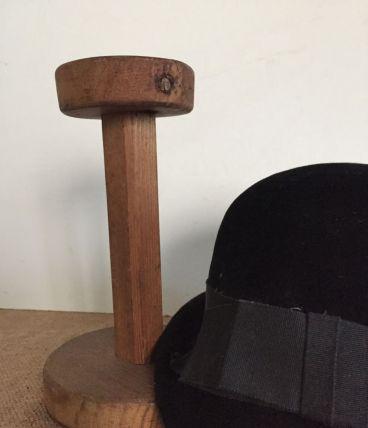 Porte-chapeau, accessoire de modiste