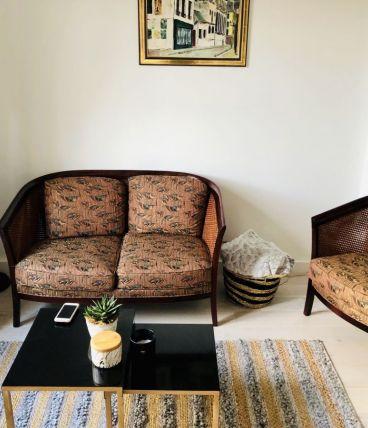 Fauteuils et canapé vintage - osier, housse et bois vernis