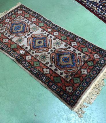Tapis en laine fait main - 1m52x70cm