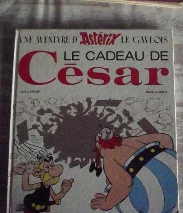 Astérix .le cadeau de césar 1983 .