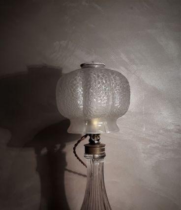 lampe art deco en verre moule  degue