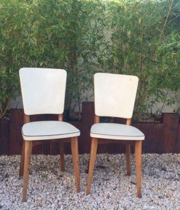 Paire de chaises scandinaves années 50 en skai