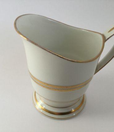 Pot à lait chic en porcelaine de Limoges B&C