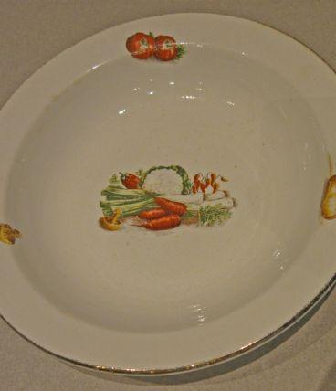 Vintage : plat l'amandinoise à décor de légumes