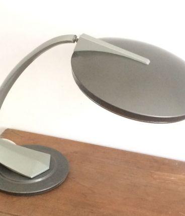 Lampe FASE, modèle BOOMERANG avec diffuseur.