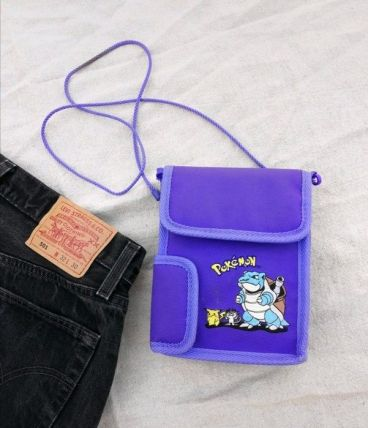 Sac pochette vintage Game Boy Pokémon Pikachu Tortank