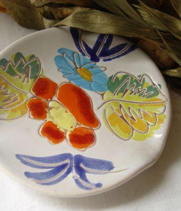 Cendrier fleuri en faïence vernissée artisanale