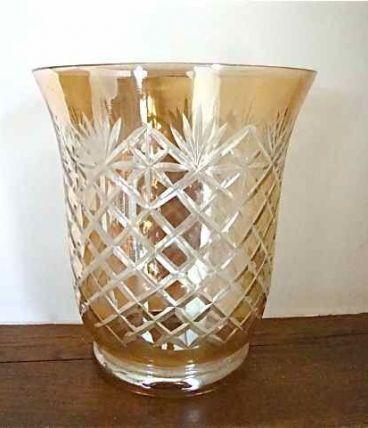 Vase en cristal arts déco taillé irisé couleur ambre