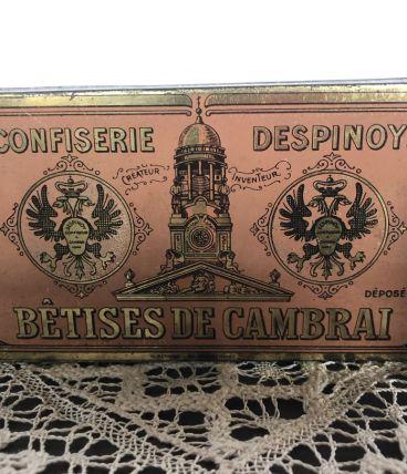 """Jolie boîte  ancienne """"Les bêtises de Cambrai"""""""