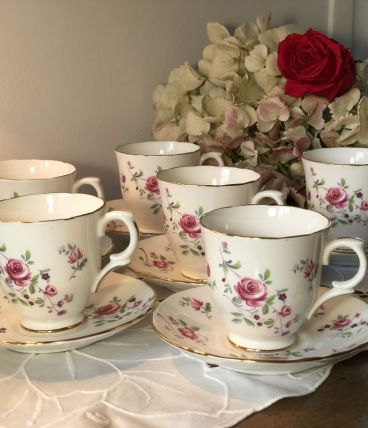 6 Tasses anglaises avec soucoupes