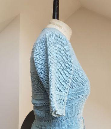 gilet en crochet bleu