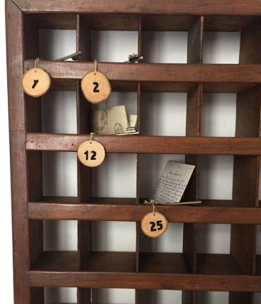 Ancien meuble d'hôtel, casier à clés et à courrier