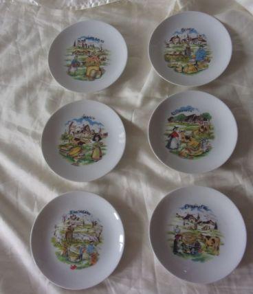6 assiettes à fromages en porcelaine