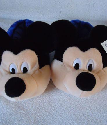 Chaussons Mickey neufs avec étiquette prix 22,71€ de Disneyl