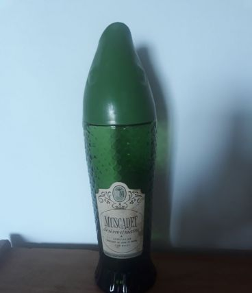 Bouteille vin Muscadet rare