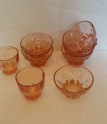 Lot 6 coupelles à dessert et 2 verres rosaline
