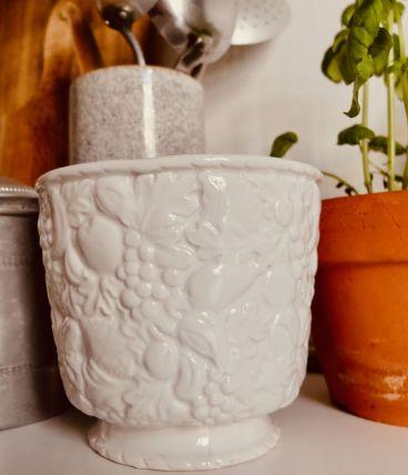 Vase blanc motif fruit
