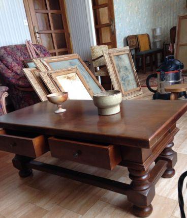 Table basse de salon en bois avec tiroirs