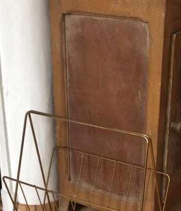 Porte revue en metal doré