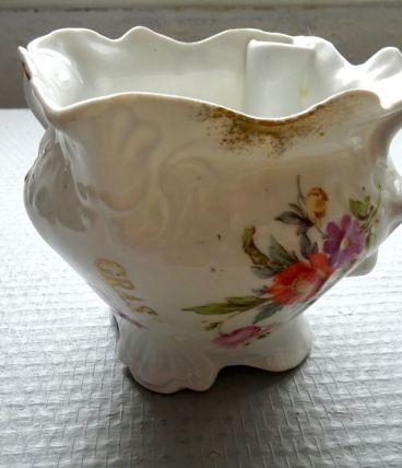 Saucière ('gras' 'maigre') en porcelaine décorée