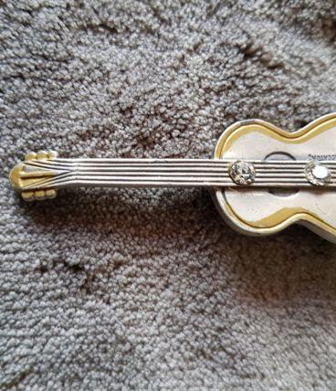 broche violon plaquée argent