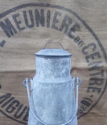 Pot à eau en zinc galvanisé - Art populaire