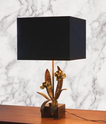 LAMPE EN MÉTAL ET FLEURS STYLISÉES