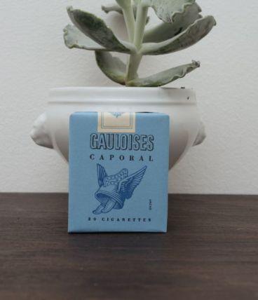 GAULOISES CAPORAL TROUPE CIGARETTES - L10
