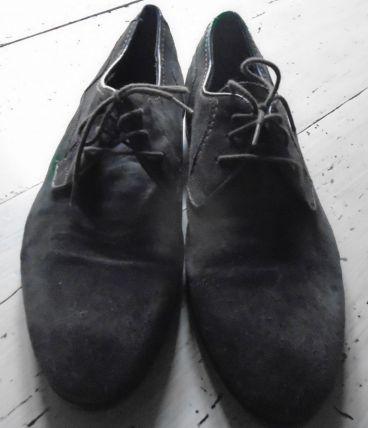 Chaussure en daim marron