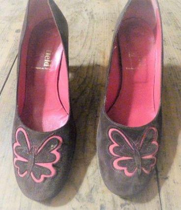 "Escarpin 38 1/2  Noir -papillon rose ""Manfield"""