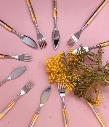 6 couteaux et 6 fourchettes à poisson (possible 12 ou 11)