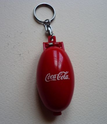 porte clé coca cola rare boite avec diorama bouteille,  ours