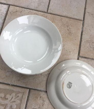 3 assiettes blanches + 1 opaque Vintage