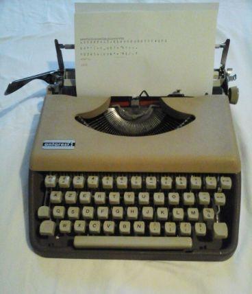 Machine à écrire Engadine ANTARES années 60.