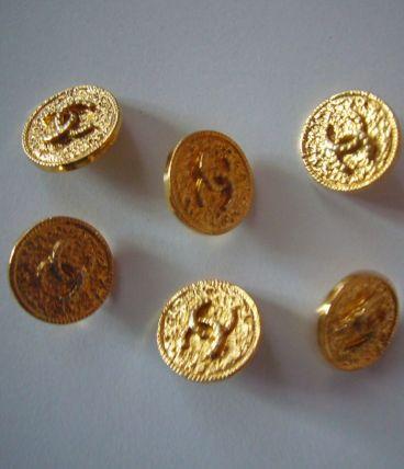 6 boutons dorés Chanel Années 70