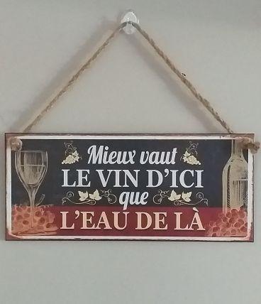 Plaque metal decorative