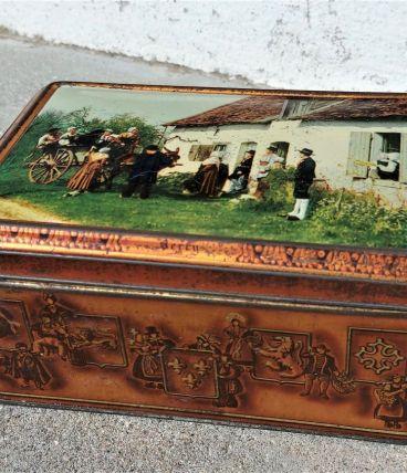 Boîte vintage en fer
