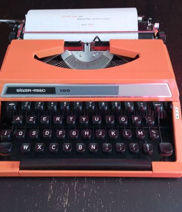 Machine à écrire Silver Reed 100 orange