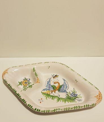 plat 2 compartiments en faïence de Moustier décor Paon